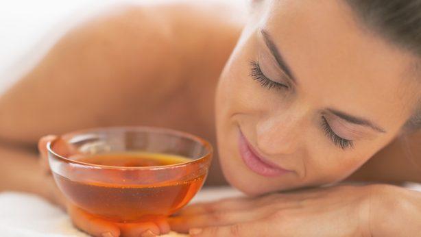 Ich teste, wie Honig auf die Haut wirkt – ein süßes Ritual der Hautpflege