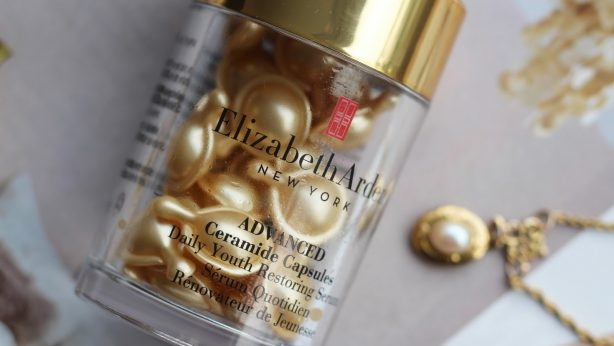 Professionelle Hautpflege: Serum Advanced Ceramide Capsules Daily Youth Restoring Eye von Elizabeth Arden