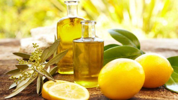 Haarspitzen richtig pflegen – meine Methoden: richtige Diät und Auftragen eines Öls